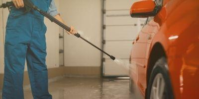 Lavadora de alta pressão economiza mais água do que mangueira de jardim